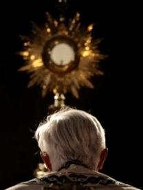 Adorazione Eucaristica @ Chiesa SS. Annunziata - Borgo | Capraia | Toscana | Italia
